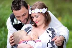 family-1350742_1920